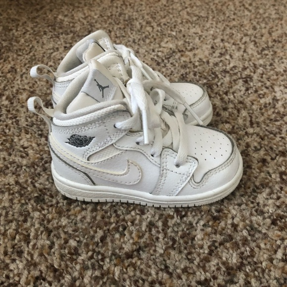 178ed7e349d Infant air jordan size 4 gently used. Jordan. M_5c099436194dad33290b7137.  M_5c0994383e0caa81475ed02a. M_5c099436194dad33290b7137;  M_5c0994383e0caa81475ed02a
